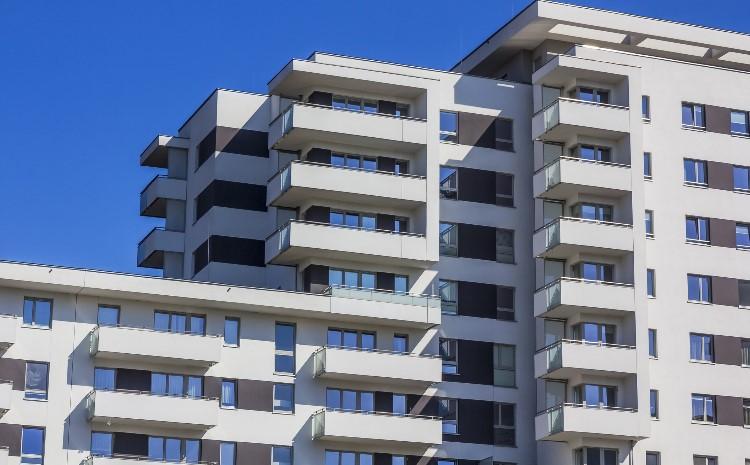 Budynek wielorodzinny - Niepalne elewacje ETICS